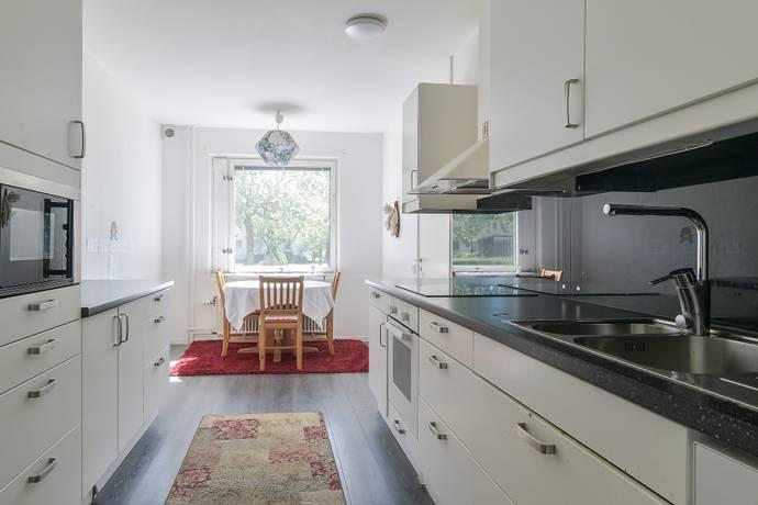 Bild: 2 rum bostadsrätt på Holmingegränd 13, Stockholms kommun Spånga Kyrka