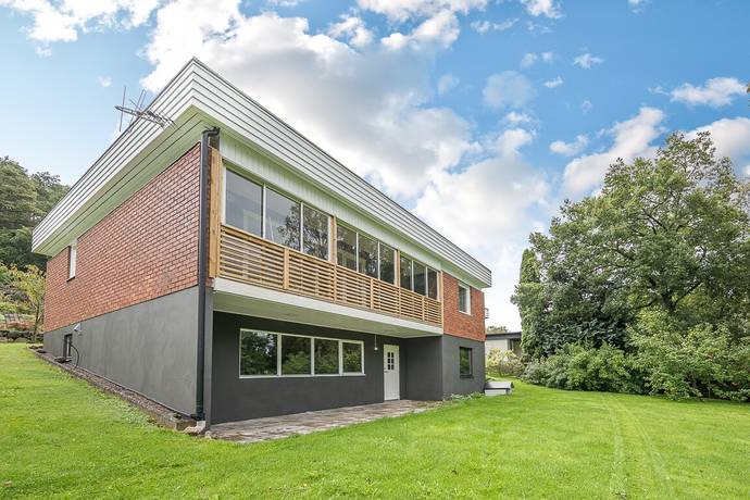 Bild: 5 rum villa på Bengt Emils Väg 15, Varbergs kommun Rolfstorp