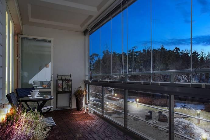 Bild: 3,5 rum bostadsrätt på Lännavägen 10c, Huddinge kommun Centrala Huddinge