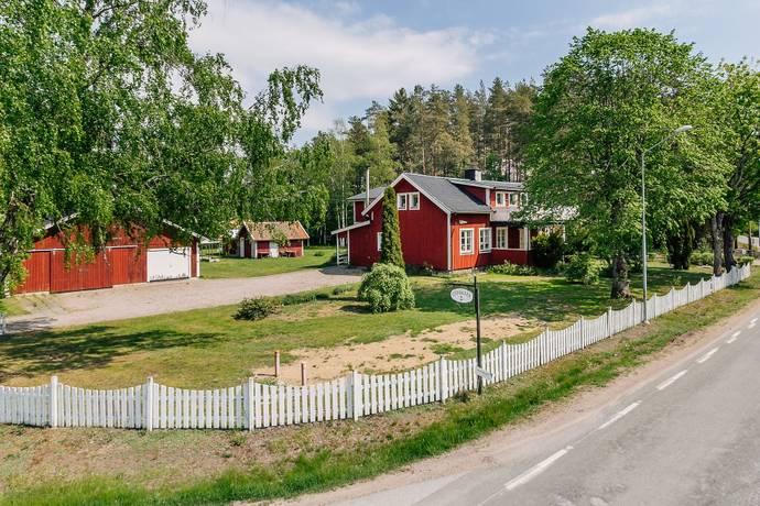 Bild: 7 rum villa på Stenbäcken 2, Töreboda kommun
