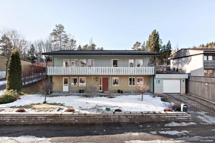 Bild: 6 rum villa på Atlasvägen 23, Sundsvalls kommun Övre Bredsand