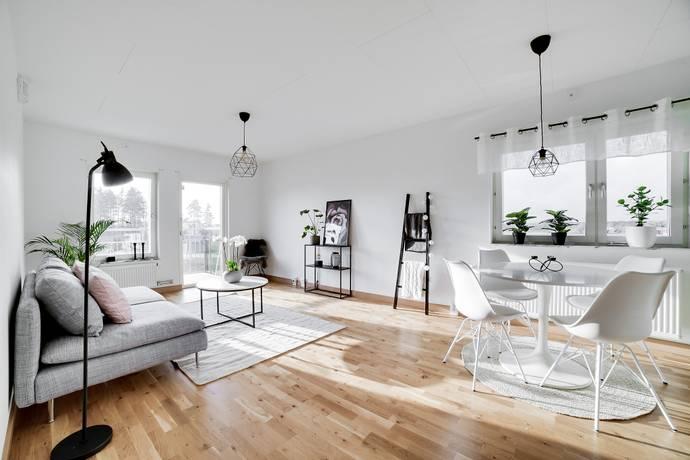 Bild: 2 rum bostadsrätt på Kiwigatan 9, Örebro kommun Mellringe / Nyponlunden