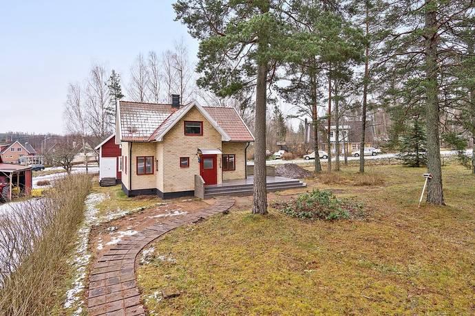 Bild: 4 rum villa på Skagersholmsvägen 51, Laxå kommun Finnerödja