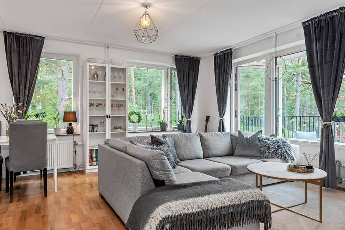 Bild: 2 rum bostadsrätt på KÄLLTORPSVÄGEN 15, Täby kommun NÄSBY PARK
