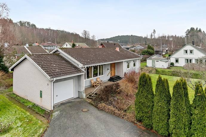 Bild: 5 rum villa på Tellusgatan 5, Munkedals kommun Dingle