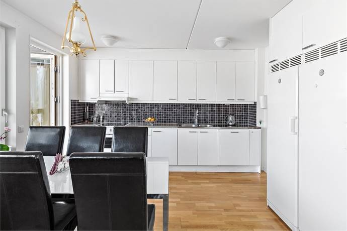 Bild: 4 rum bostadsrätt på Sångvägen 4C, 1tr, Järfälla kommun Jakobsberg