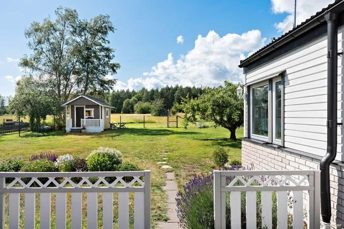 Bild: 5 rum villa på Länsmansvägen 22, Enköpings kommun Grillby