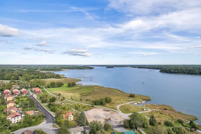 Bild: tomt på Vegagatan 50, Norrtälje kommun Gransäter