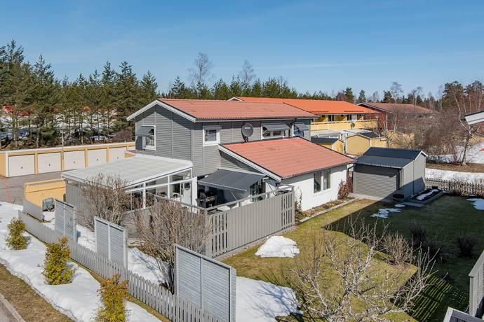 Bild: 6 rum villa på Vallhovsvägen 142, Sandvikens kommun Vallhov