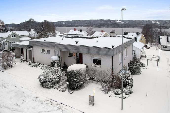 Bild: 7 rum villa på Jägaregatan 49, Ulricehamns kommun Ulricehamn
