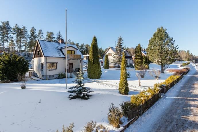 Bild: 3 rum villa på Storgatan 16, Hultsfreds kommun Silverdalen