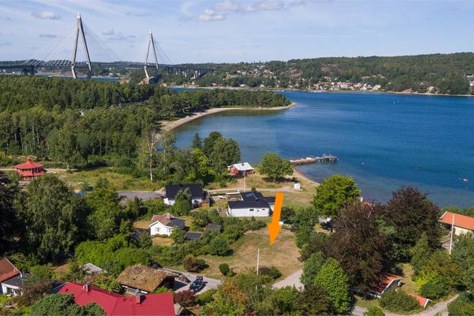 Bild: tomt på Forshälla Sund, Uddevalla kommun Sund