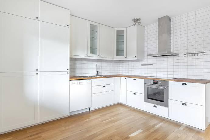 Bild: 3 rum bostadsrätt på Cellovägen 124J, Uppsala kommun Gottsunda