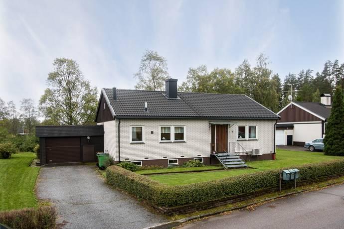 Bild: 4 rum villa på Sibyllavägen 4, Karlskoga kommun Bråten