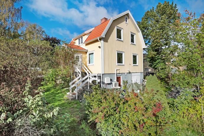Bild: 5 rum villa på Bronsvägen 2, Järfälla kommun Skälby