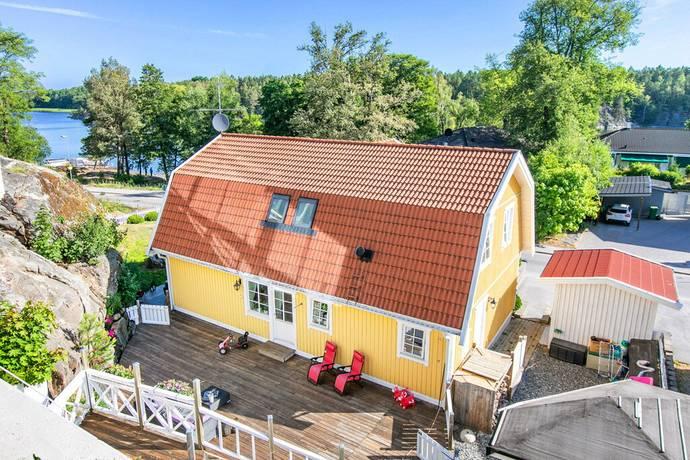 Bild: 6 rum villa på Stortorpsvägen 80, Huddinge kommun Trångsund