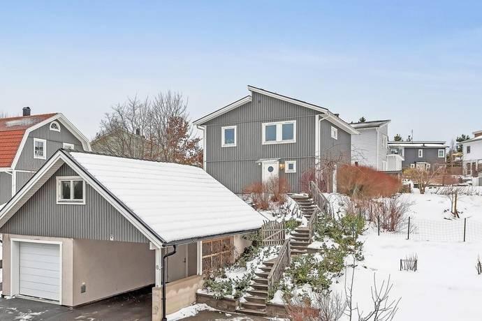 Bild: 5 rum villa på Svärtavägen 6, Österåkers kommun Margretelund