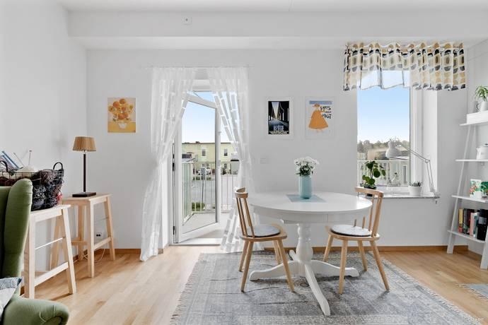 Bild: 2 rum bostadsrätt på Herrhagsvägen 193, Uppsala kommun Stenhagen