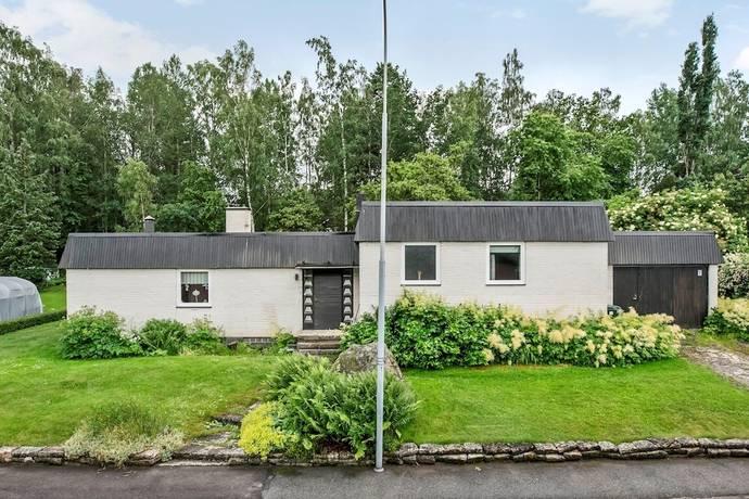 Bild: 10 rum villa på Skogsstigen 15, Hallsbergs kommun Kårstahult