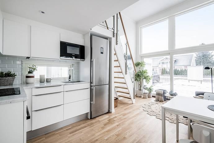 Bild: 1,5 rum bostadsrätt på Gustav Adolfsvägen 14, Huddinge kommun Glömsta