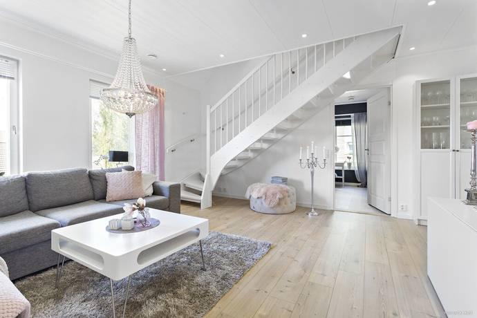 Bild: 7 rum bostadsrätt på Björkelundsvägen 67, Luleå kommun Kyrkbyn - Gammelstad