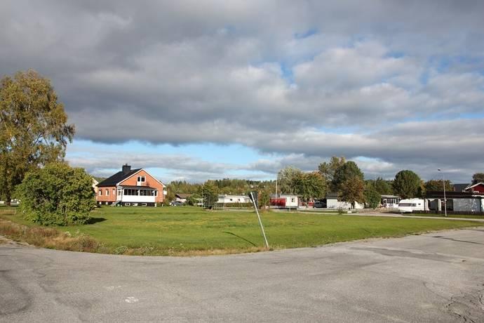 Bild: tomt på Rosenborgsvägen 1, Örnsköldsviks kommun