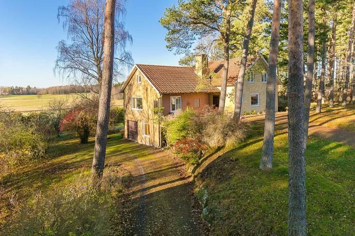 Bild: 6 rum villa på Skogsvägen 5, Vara kommun Vedum