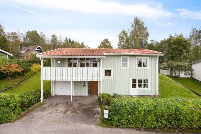 Bild: 5 rum villa på Slåttervägen 8, Nora kommun Nora - Hitorp