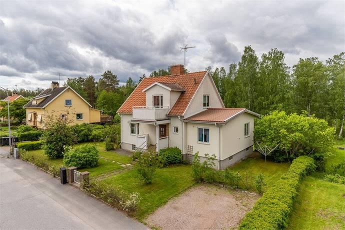 Bild: 6 rum villa på Ringvägen 32, Vimmerby kommun Södra Vi