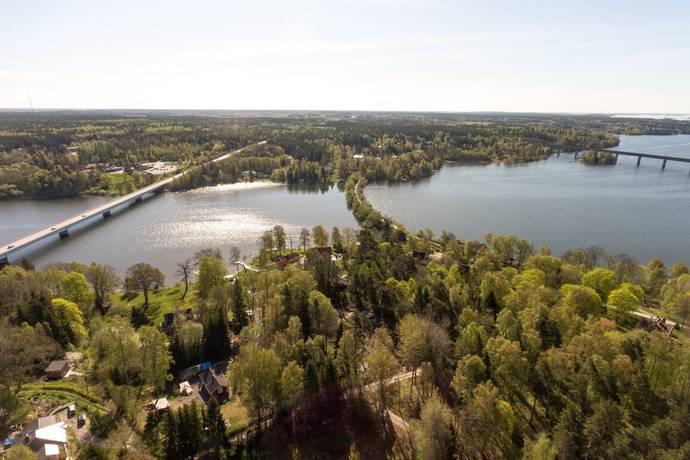 Bild: tomt på Svanvägen 16, Enköpings kommun Ekolsund