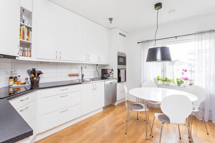 Bild: 4 rum bostadsrätt på Lägerhyddsgatan 7, Örebro kommun