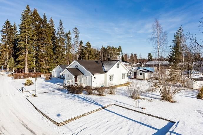 Bild: 5 rum villa på Rosenlund 1, Hammarö kommun Lövnäs