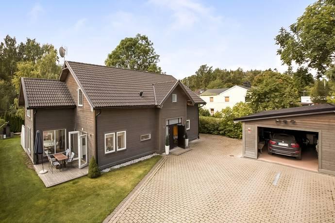 Bild: 6 rum villa på Blåklintsvägen 37b, Huddinge kommun Stortorp/Trångsund