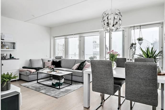Bild: 2 rum bostadsrätt på Frestavägen 30 2tr, Sollentuna kommun Edsängen