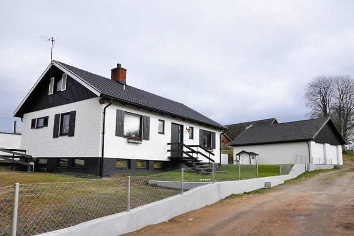 Bild: 7 rum villa på Veingevägen 54 och 52, Laholms kommun Veinge