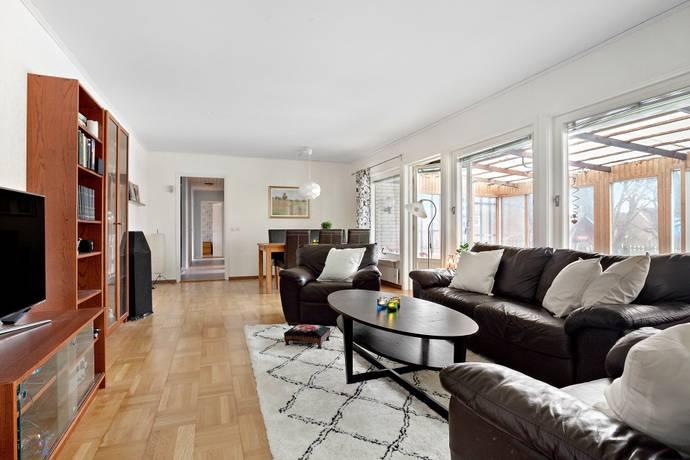 Bild: 5 rum villa på Snickarvägen 3, Upplands-Bro kommun Bro/Gamla Bro