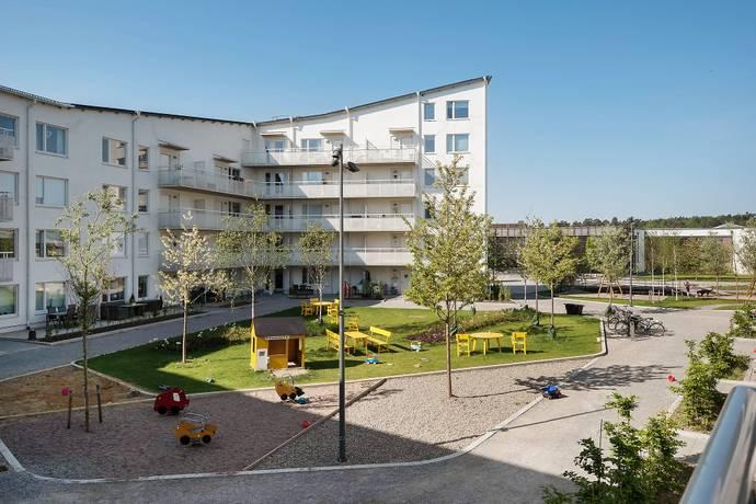 Bild: 4 rum bostadsrätt på Fänriksvägen 41A, Järfälla kommun Barkarbystaden