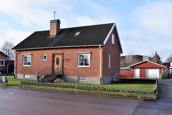 Bild: 5 rum villa på Södra Långgatan 55, Gislaveds kommun Smålandsstenar