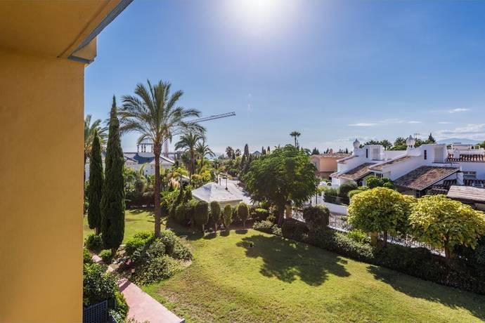 Bild: 3 rum bostadsrätt på Bra tillfälle i Bahia de Marbella, Spanien Bahia de Marbella
