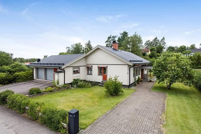 Bild: 8 rum villa på Dalhemsvägen 6, Vetlanda kommun Östersand