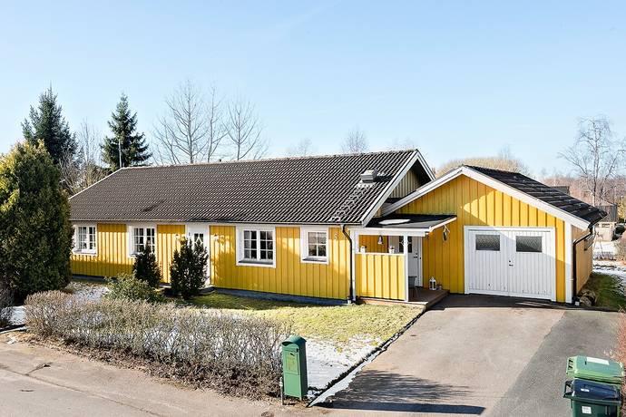 Bild: 5 rum villa på Skyttevägen 5, Ljungby kommun Ljungby