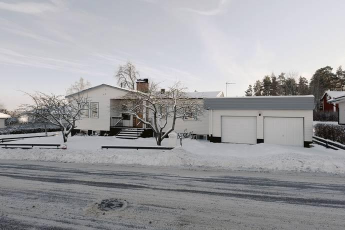 Bild: 4 rum villa på Mossvägen 11, Kristinehamns kommun Djurgården