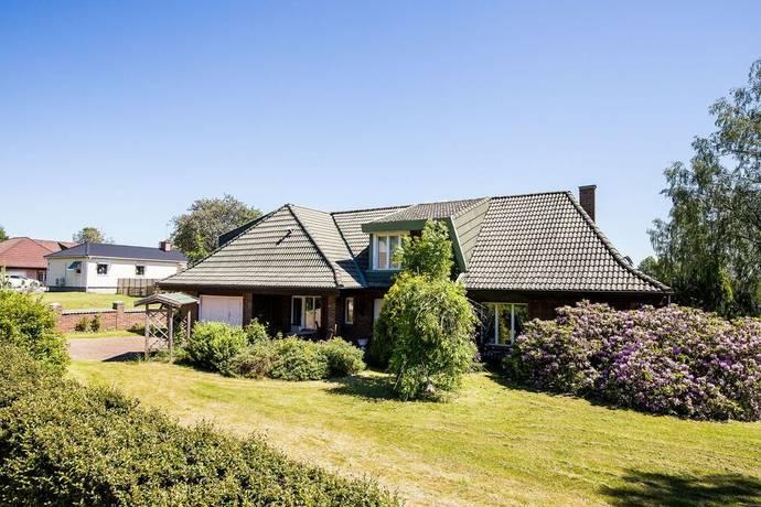 Bild: 7 rum villa på Nyponvägen 14, Karlskoga kommun Aggerud