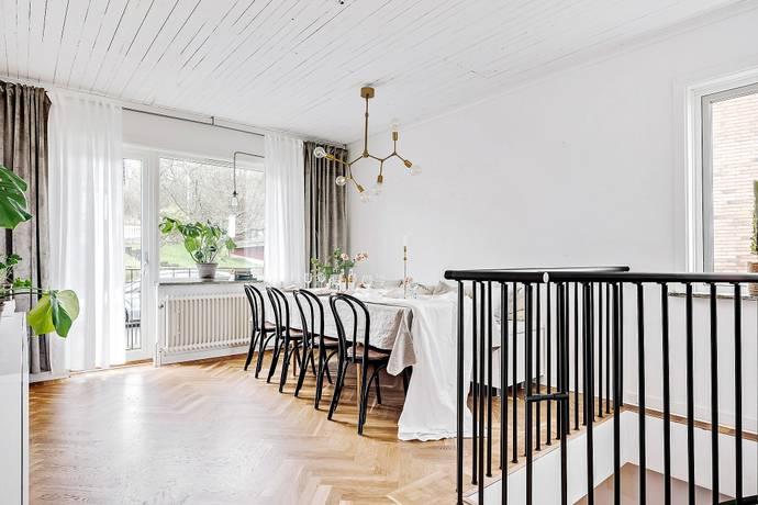 Bild: 6 rum bostadsrätt på Sturegatan 37, Jönköpings kommun Huskvarna
