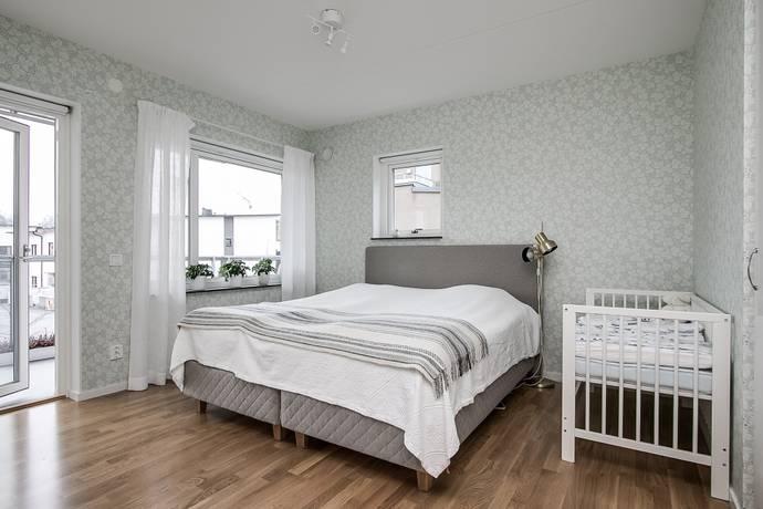 Bild: 4 rum bostadsrätt på Hindergårdsgatan 10C, Örebro kommun Rynningeåsen