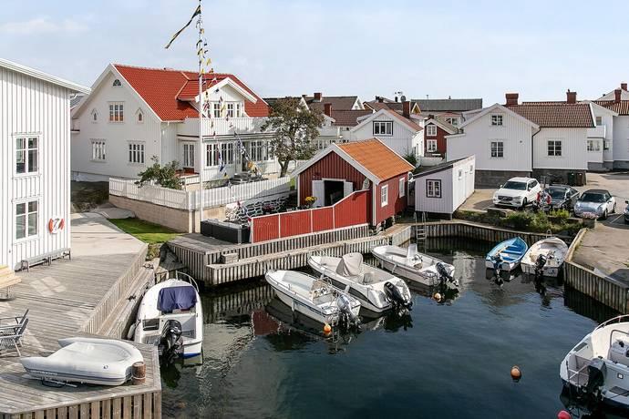 Bild: 7 rum villa på Ångbåtsvägen 21, Tjörns kommun Klädesholmen