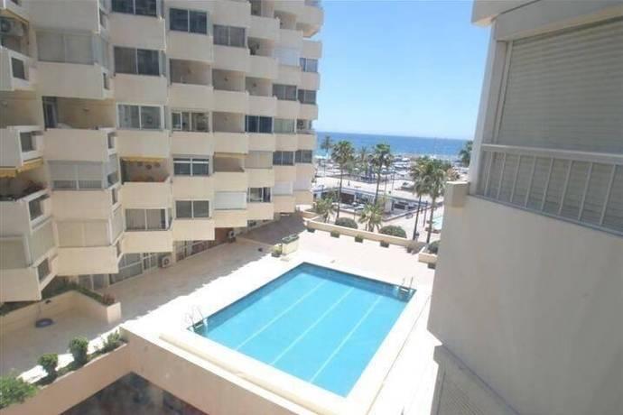 Bild: 3 rum bostadsrätt på Front line beach precis vid hamnen, rymlig och ljus!, Spanien MARBELLA