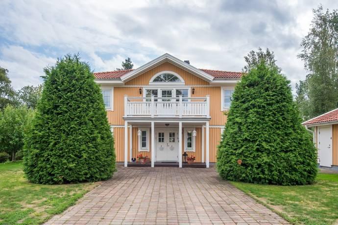 Bild: 6 rum villa på Gränsgatan 4, Nora kommun Centralt