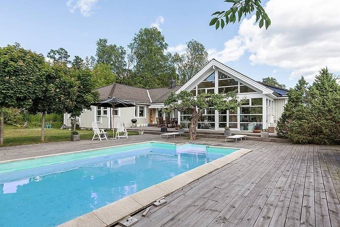 Bild: 8 rum villa på Gärdsmygvägen 1, Ekerö kommun Ekerö Älvnäs