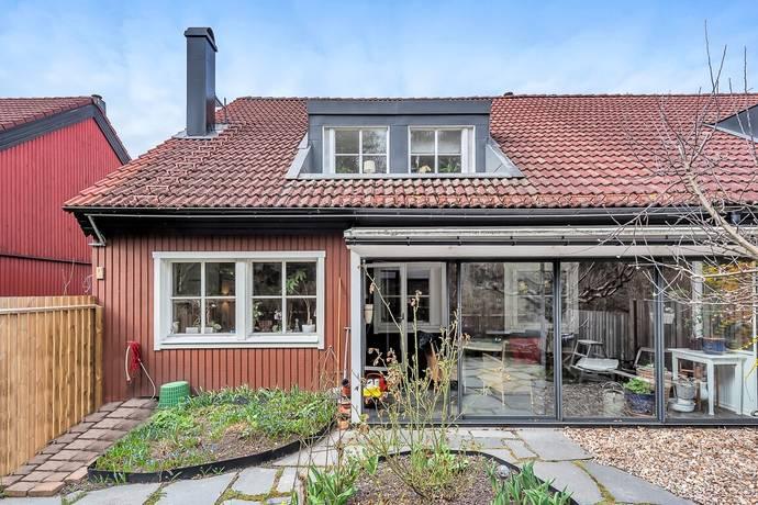 Bild: 5 rum radhus på Simborgarvägen 35, Österåkers kommun Söra